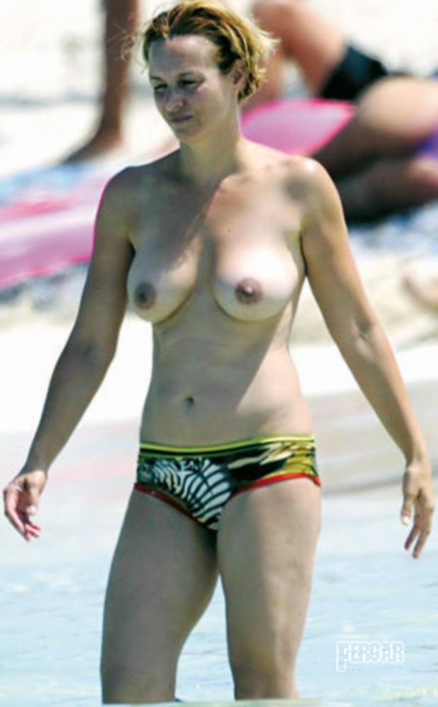 MarRegueras-Topless2009-3.jpg